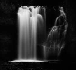Pontneddfachan waterfall01