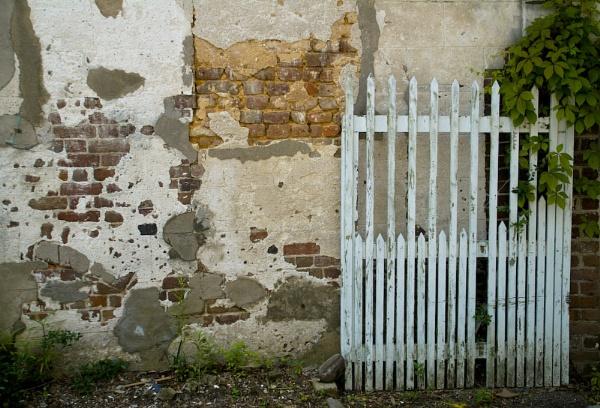 Charleston Wall 2 by gajewski