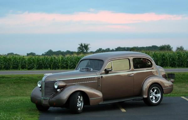 1938 Pontiac by kezeka