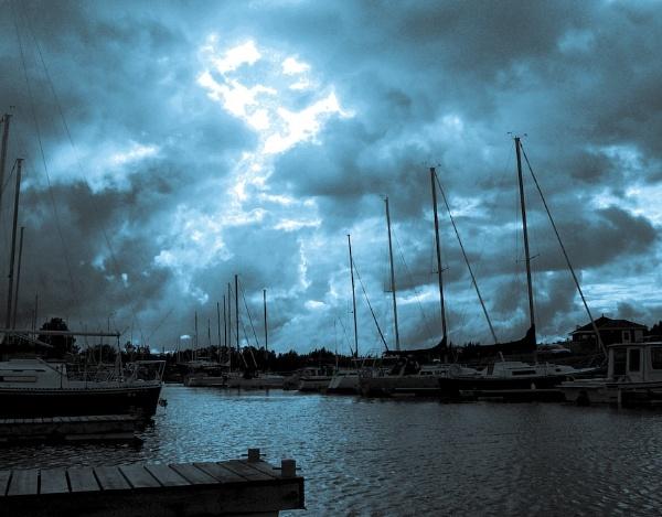 storm rising by sputnki