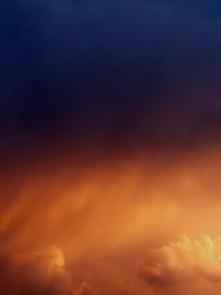 Hot Sky by tavm