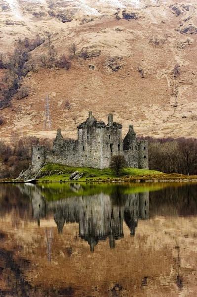 Kilchurn Castle. by Richardtyrrelllandscapes