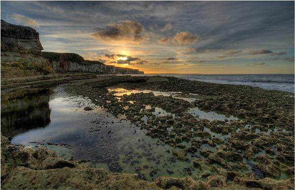 Thornwick Bay by digicammad