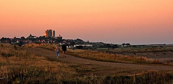 Frinton-on-sea at dusk by summ3r