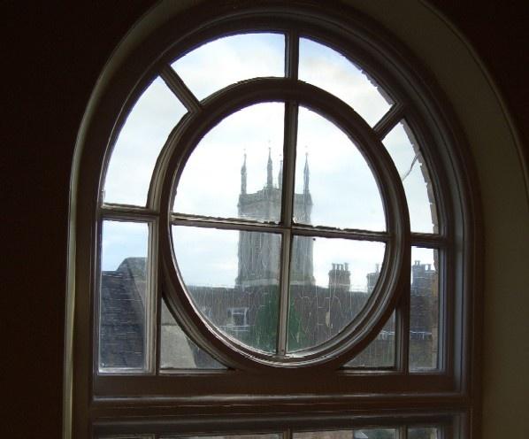 thru the round window by Isleman