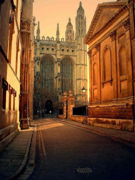 Lost in Oxford by MartaHari
