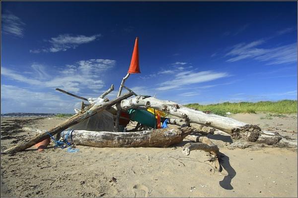 Beach Monument by scragend