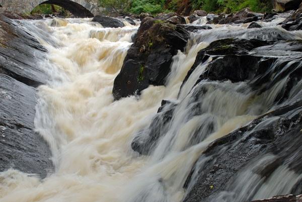 Rushing Water by grumpalot
