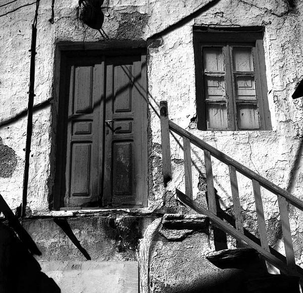 Mykonos Door by martinduke