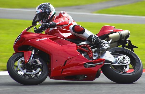 Ducati - Brands Hatch by EPZSam
