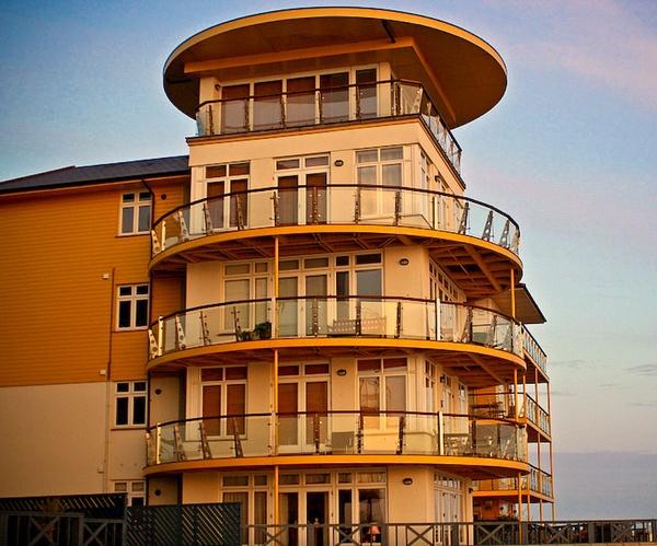 Seaside Penthouse by bayleaf