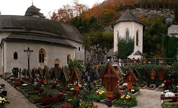 Hallstatt Cemetery by ian smith