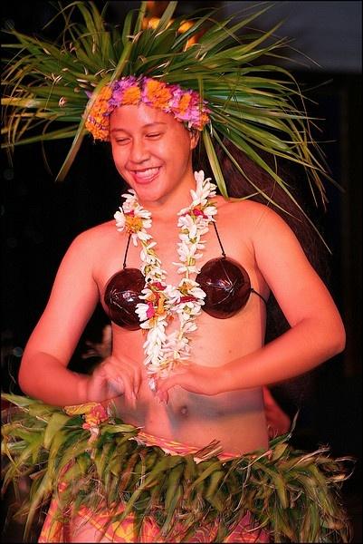 Raiatea Dancer by ScottRobertson