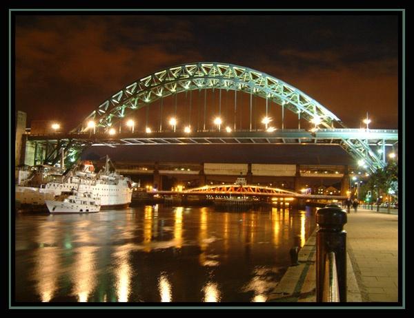 Newcastle Nightfall by kemic