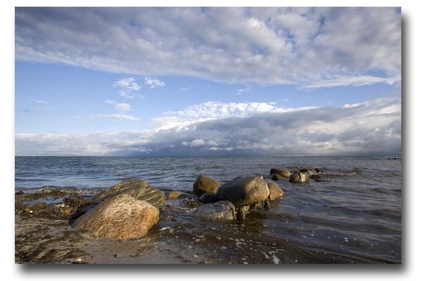 Northern beach by Monradus