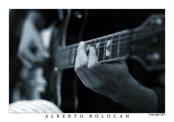 Guitarplayer [1] by Alberto_Bolocan