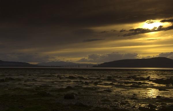 Kessock sunset by pauldiver