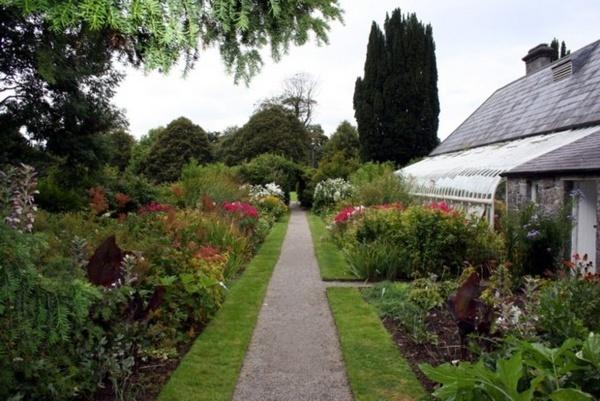 MY Garden!! not. by Scoff_Too
