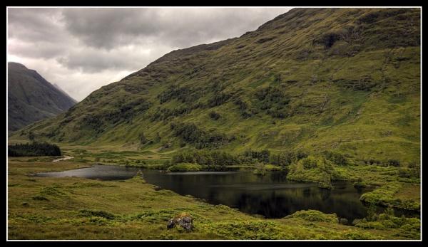 Lochan Urr  In Glen Etive by uggyy