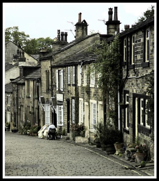 Main St Haworth (HDR) by mickp