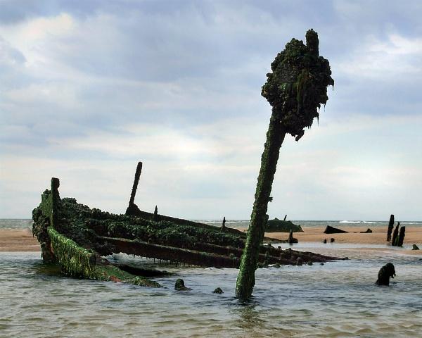 Blakeney Wreck by Bellie