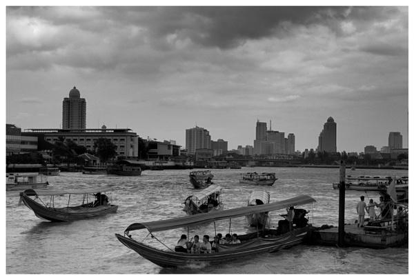 Chao Phraya River by Doclassie