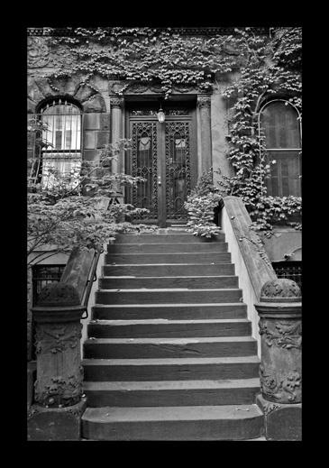 Haunted doorway by AEasthope67