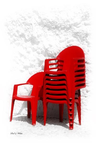 Red&White by kevski