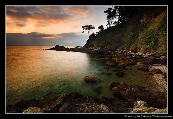 La Pied du Mar by Guernseydan
