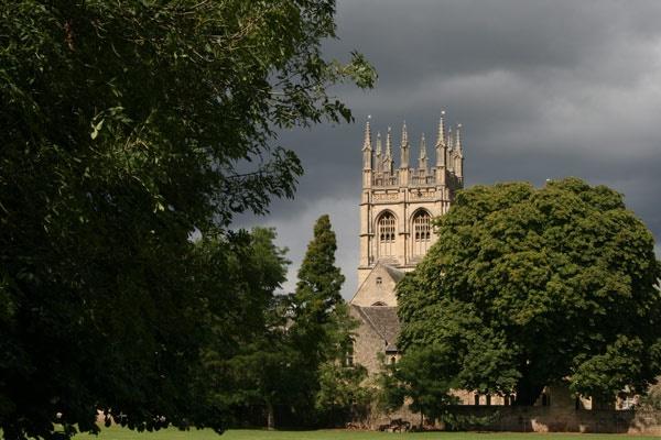 Grey day in Oxford by paddyf