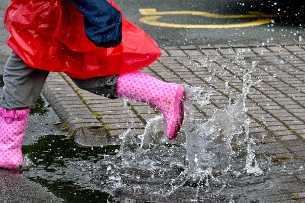 Splashing Time by GaryBooth