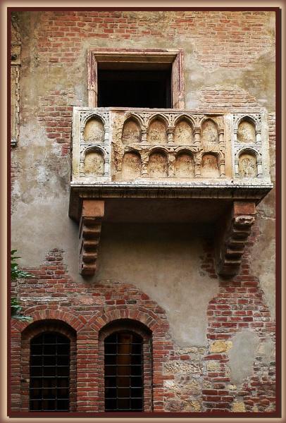 The Balcony, Verona by fentiger