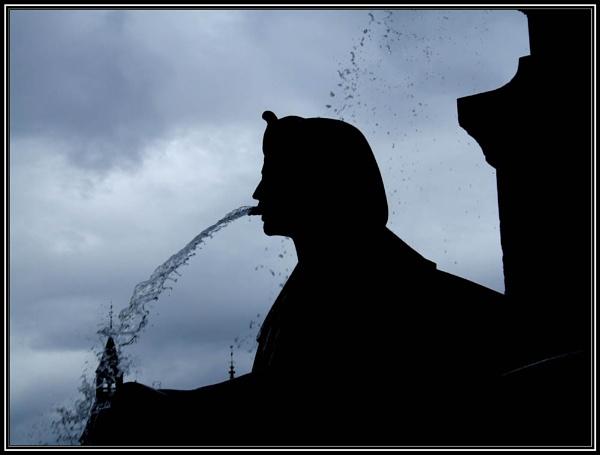 Paris Fountain by moglen