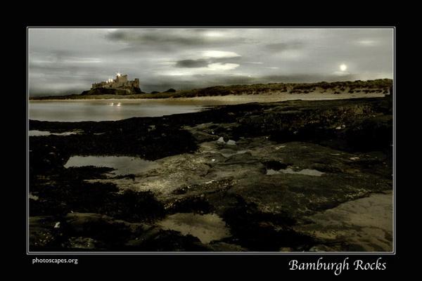 Bamburgh Rocks by graeme34