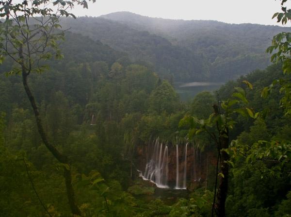 Plitvice Lakes by JakeK