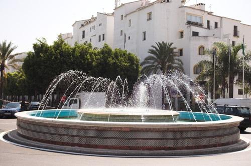 Boring Fountain by redbulluk