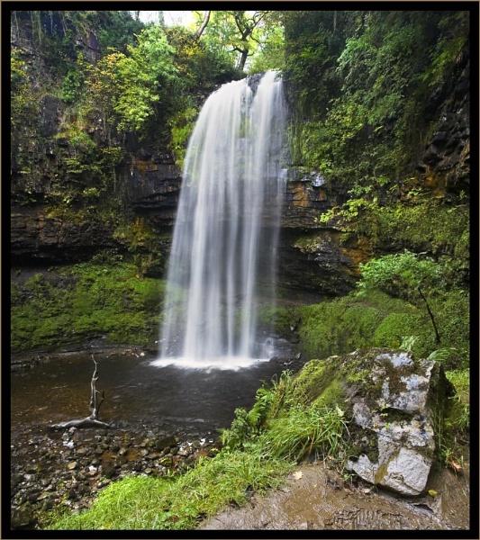 Henrhyd Falls by Mari