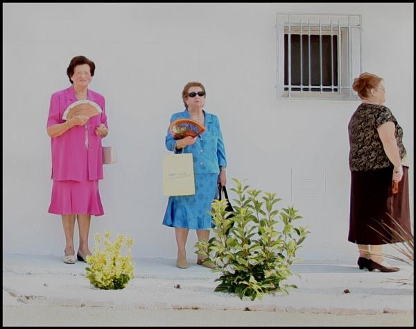 Two Ladies Keeping Cool by jarendell