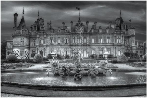 Waddesdon Manor by stevenb