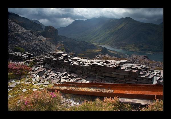 Llanberis Pass by jeanie