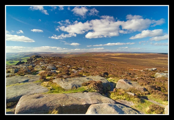 Stanage Edge wide view by veggiesosage