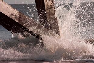 Gentle Waves by Dwaller