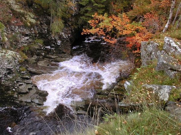 Autumn Falls by geniehawk
