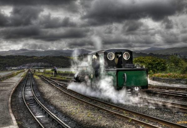 dreamy train-portmadogk by mirchevphotography