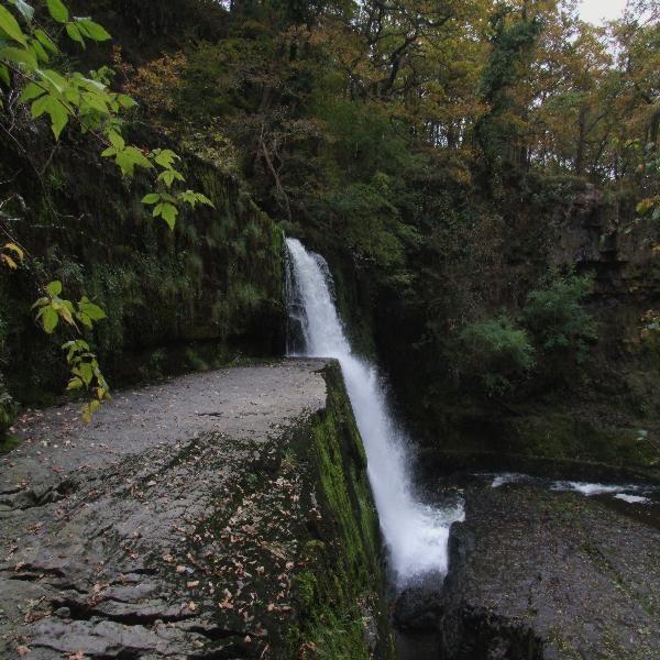 Sgwd clun-gwyn,Afon Mellte Waterfalls. by Mikelane