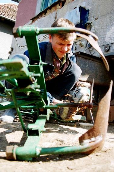 Young mechanic by efraimgal