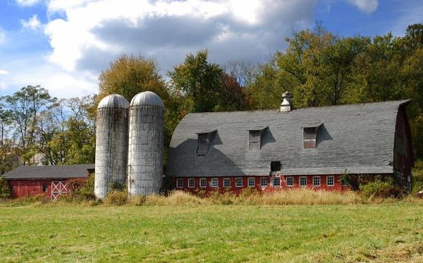 The Farm House by Rainy