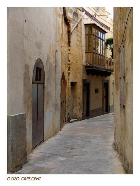 Gozo Crescent by bigtony