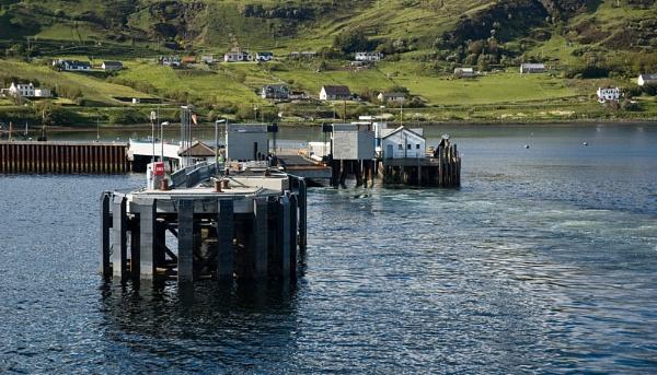 Uig Pier by juldon