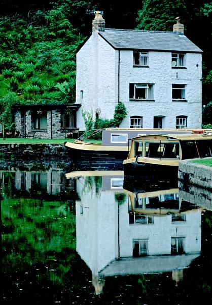 Llanfoist Wharf. by Badgerfred